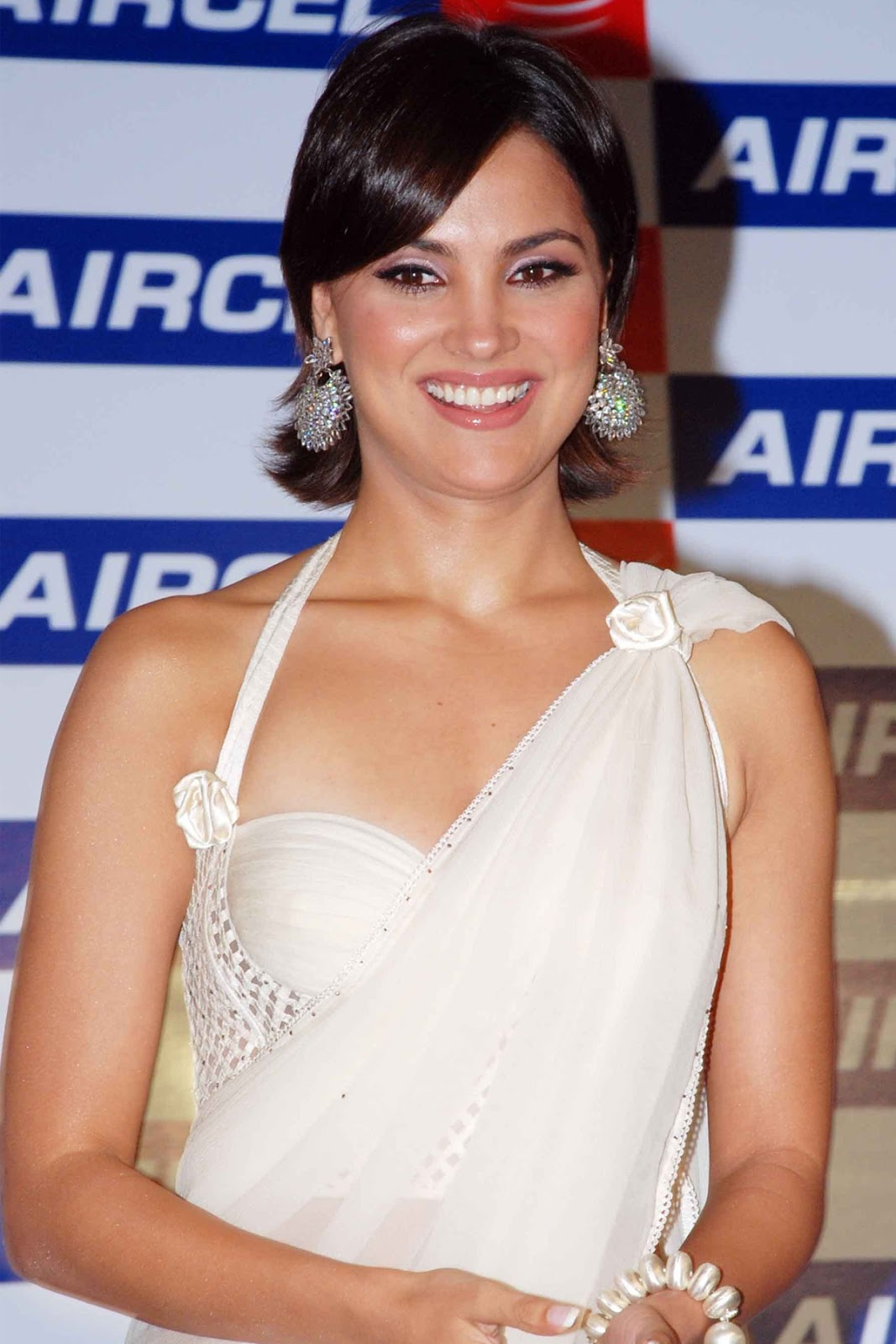 Lara dutta white dress photos
