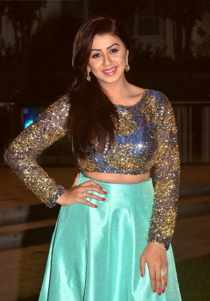 Nikki galrani fashion cute photos