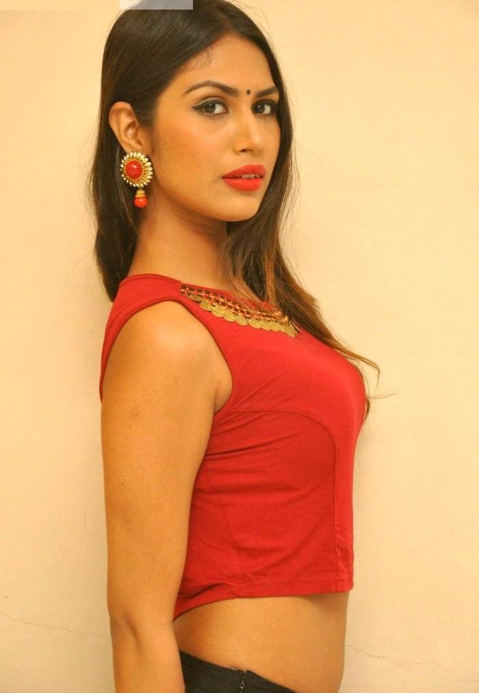 Nishigandha red dress smile pose image