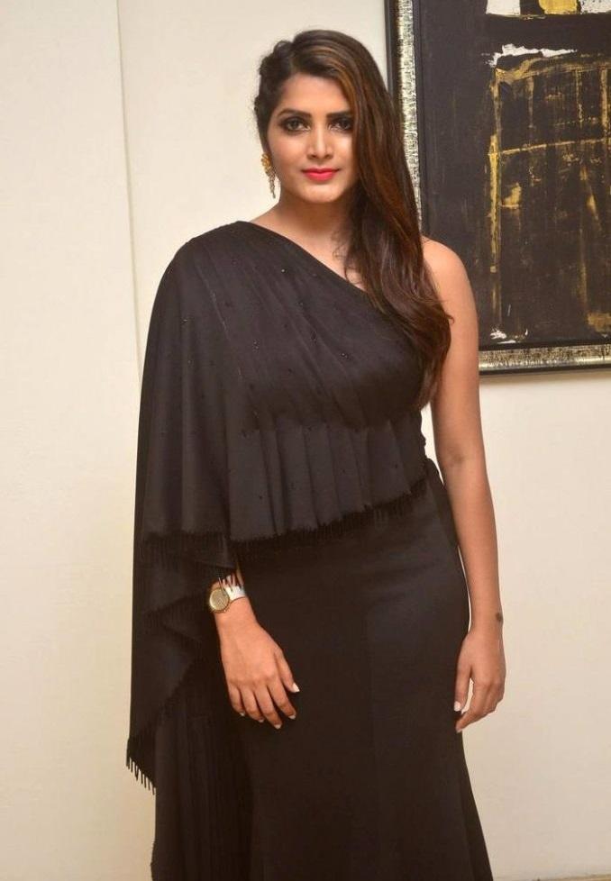 Pavani gangireddy black dress figure pics