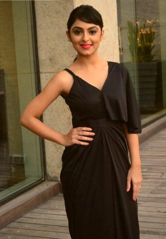 Pooja k doshi glamour image