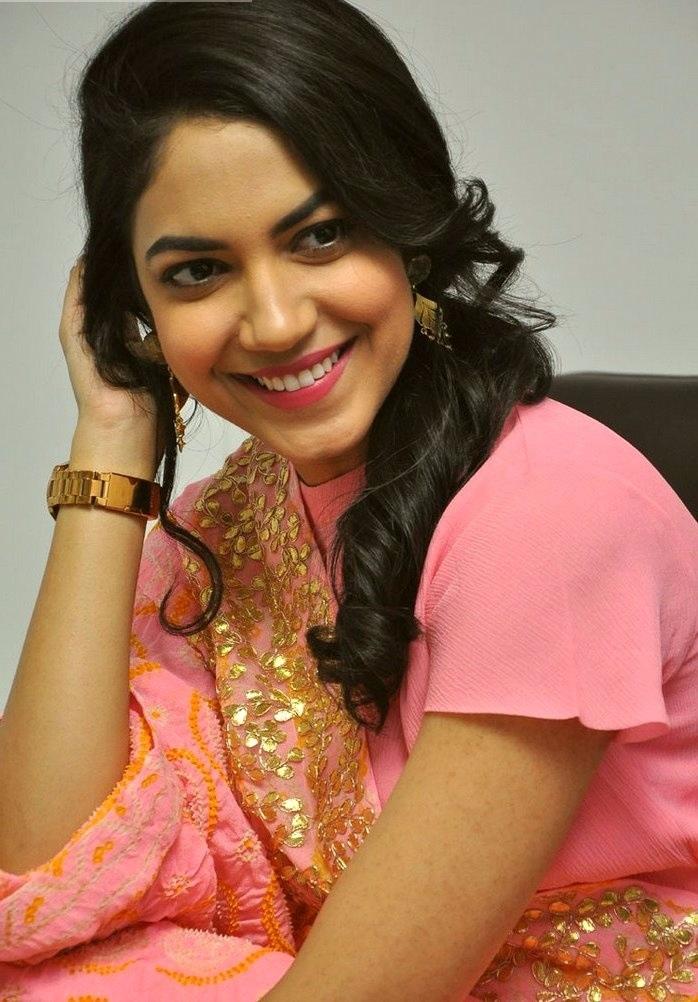 Ritu varma pink dress wide pictures