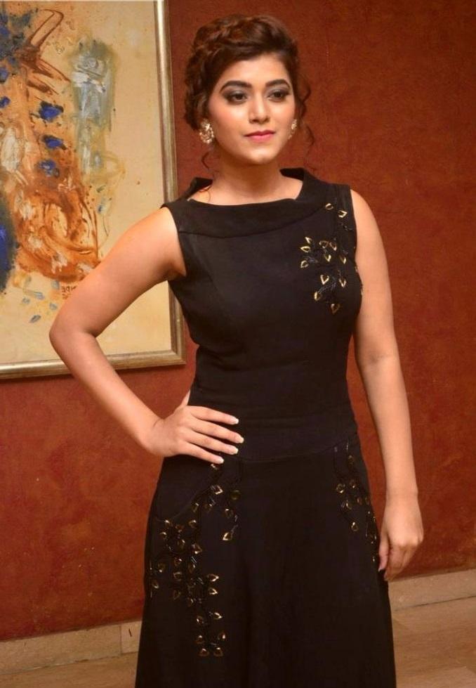 Yamini bhaskar black dress desktop photos