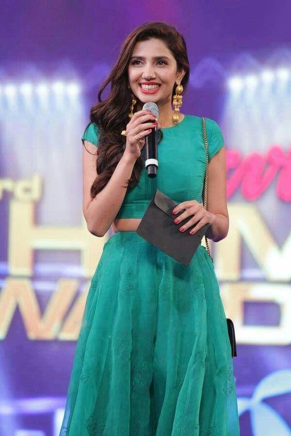 Mahira khan launch photos