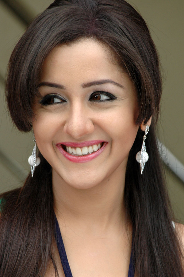 Mallika kapoor cute smile photos