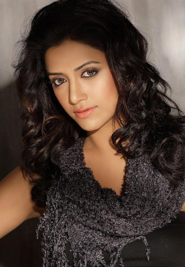Mamta mohandas rolling hair pictures
