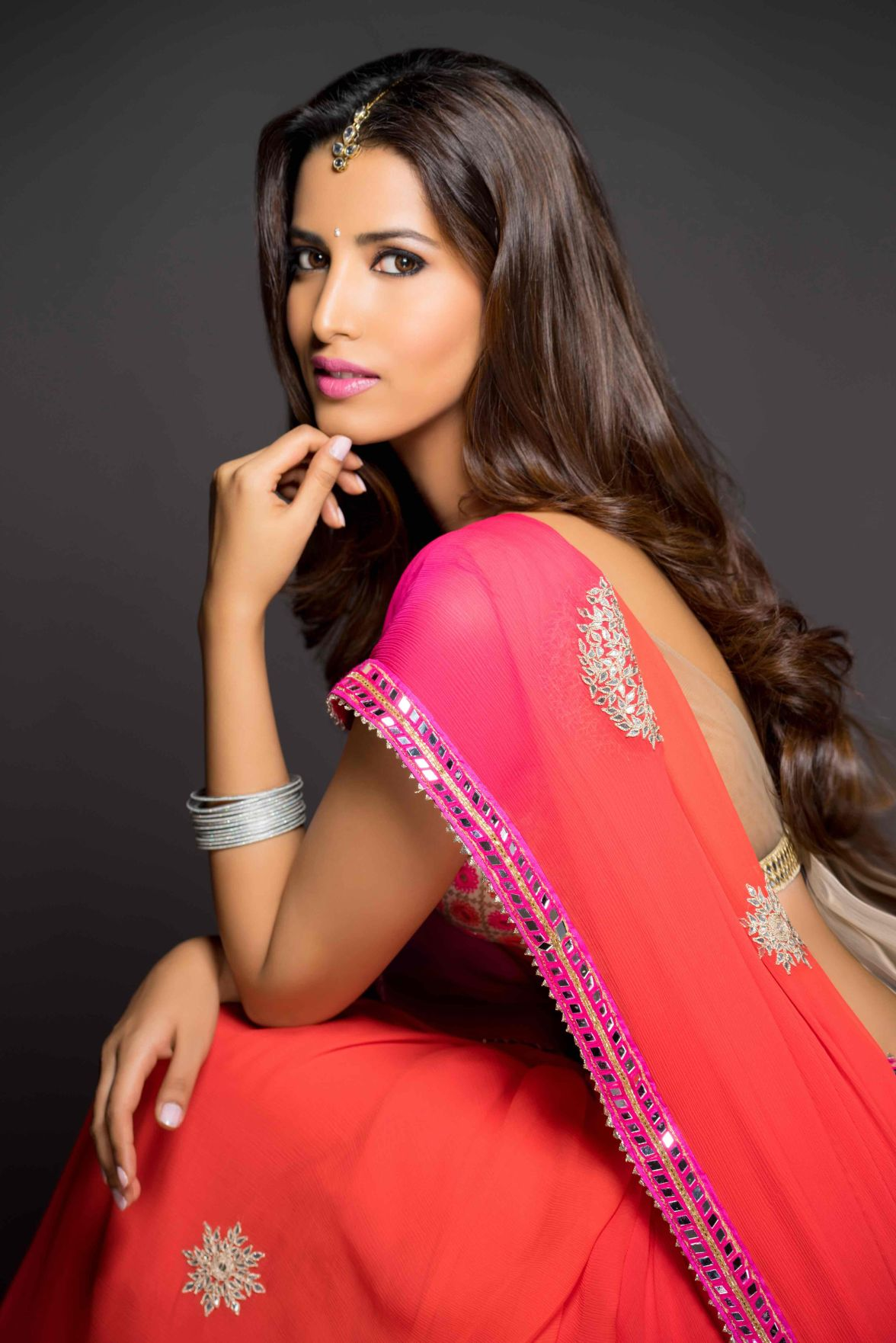 Manasvi mamgai saree photoshoot images