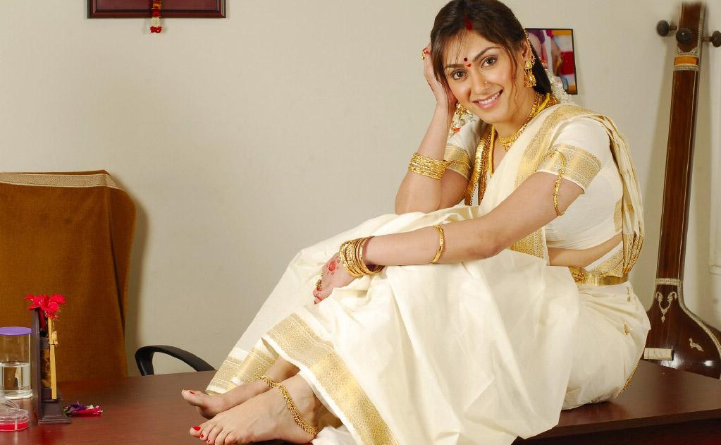 Manjari phadnis set saree pictures