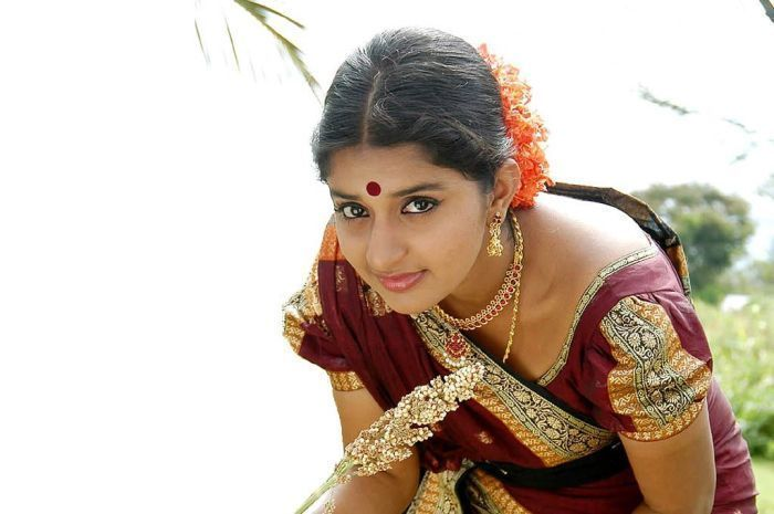 Meera jasmine full makeup saree pictures