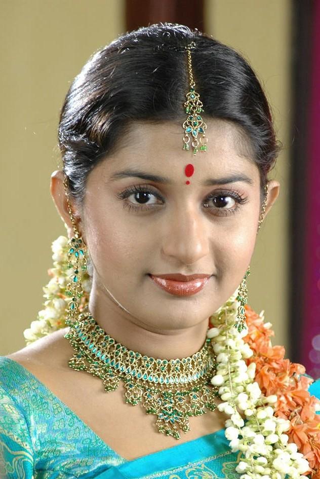 Meera jasmine saree makeup photos