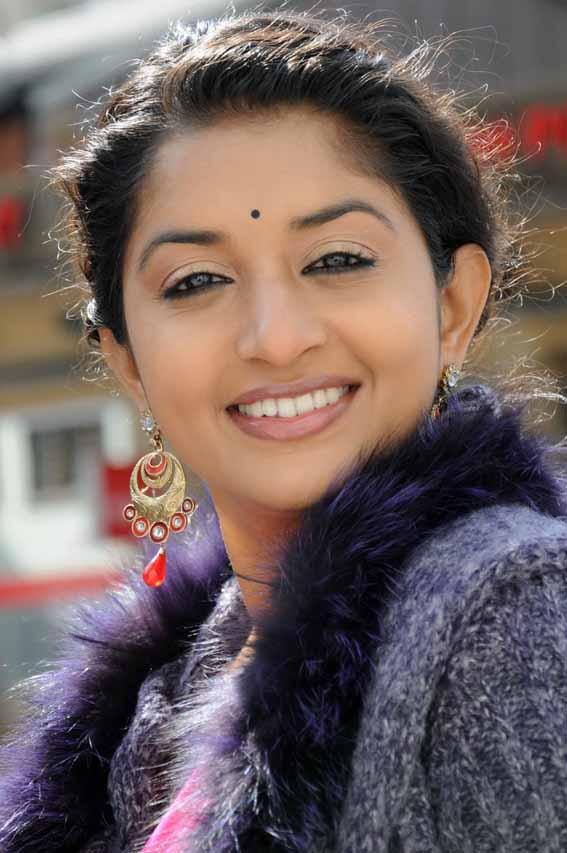 Meera jasmine smile photos