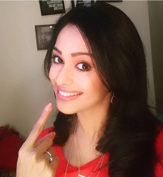 Mugdha chaphekar selfie photos