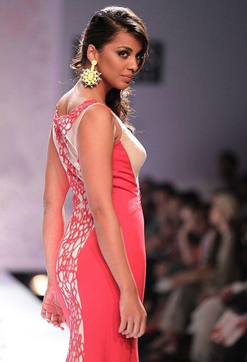 Mugdha godse fashion show photos