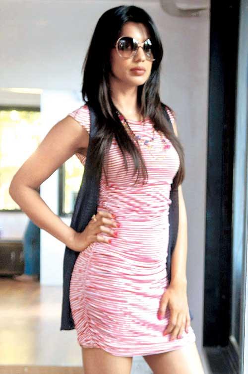 Mugdha godse mini dress photos