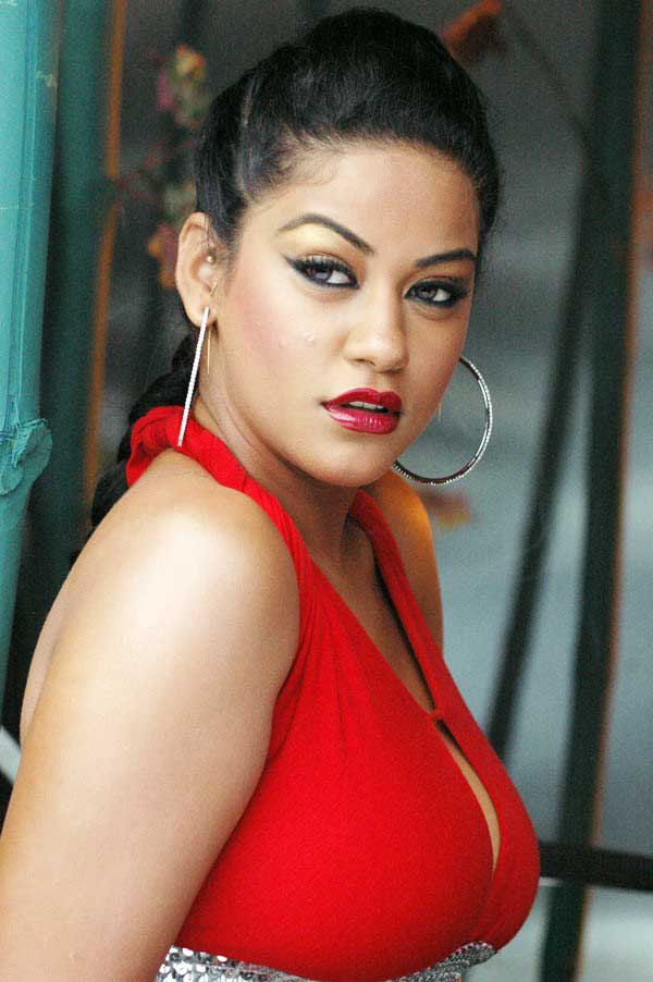 Mumaith khan side photos