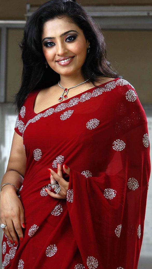 Mumtaj red saree photos