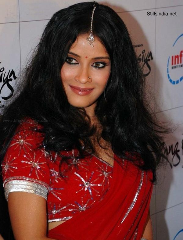 Nandana sen red saree photos