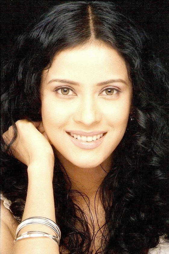 Nandana sen smile photos