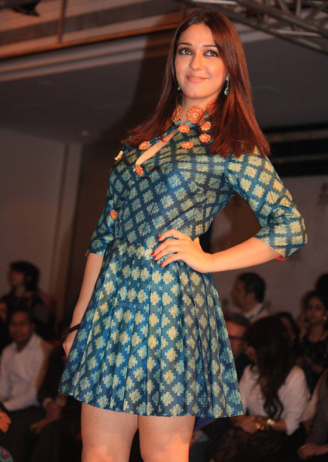 Nauheed cyrusi mini dress photos