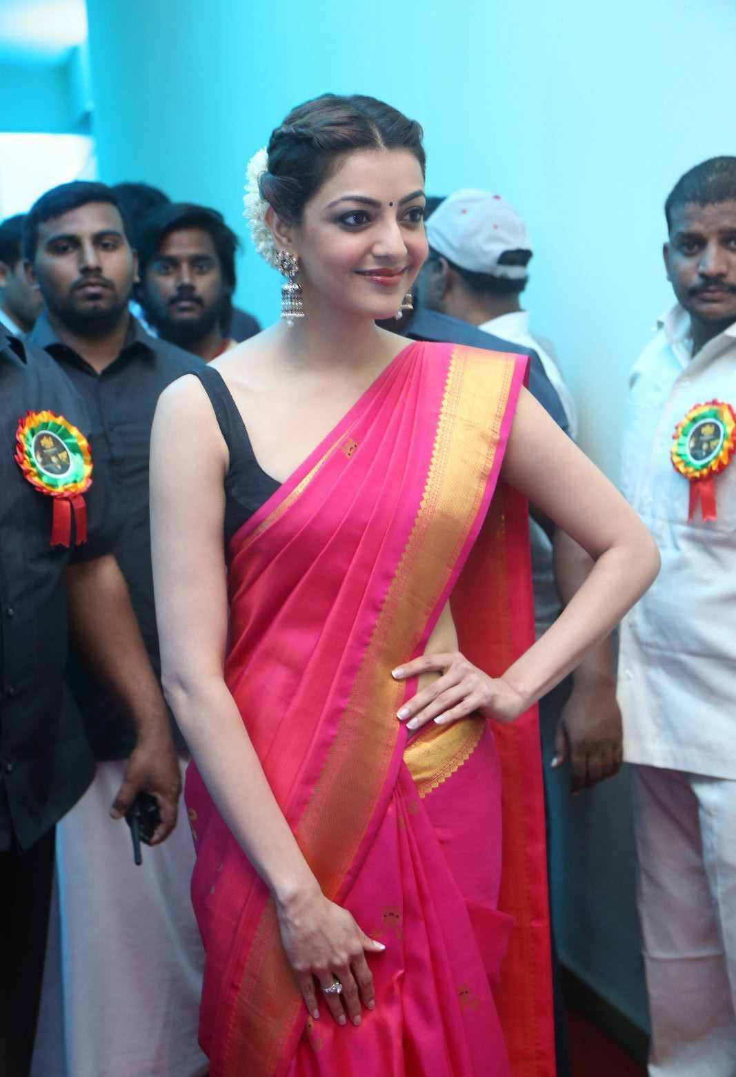 Actress kajal agarwal red saree cute photoshoot wallpaper