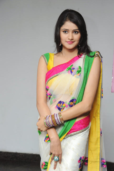 Actress kushi hd saree pics