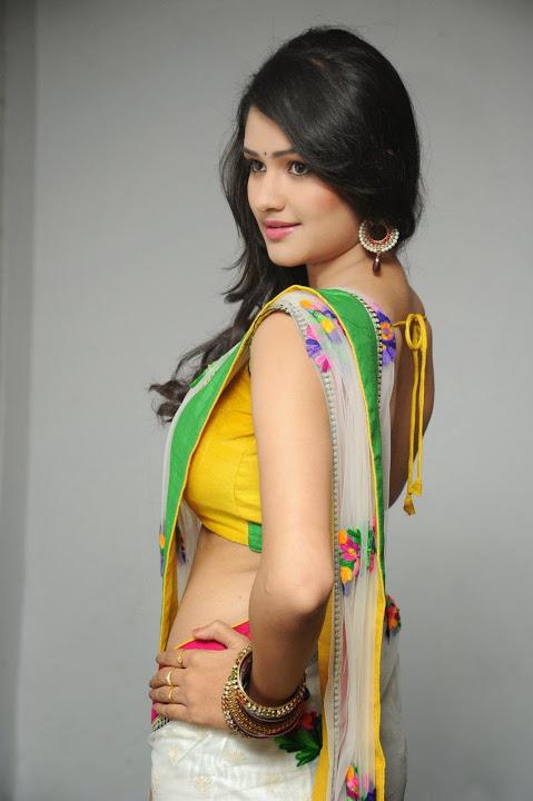Actress kushi smile pose saree gallery