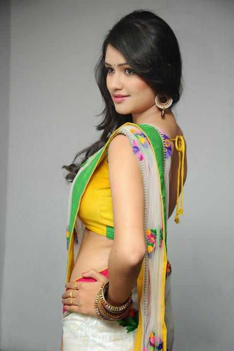 Actress kushi wide saree pictures