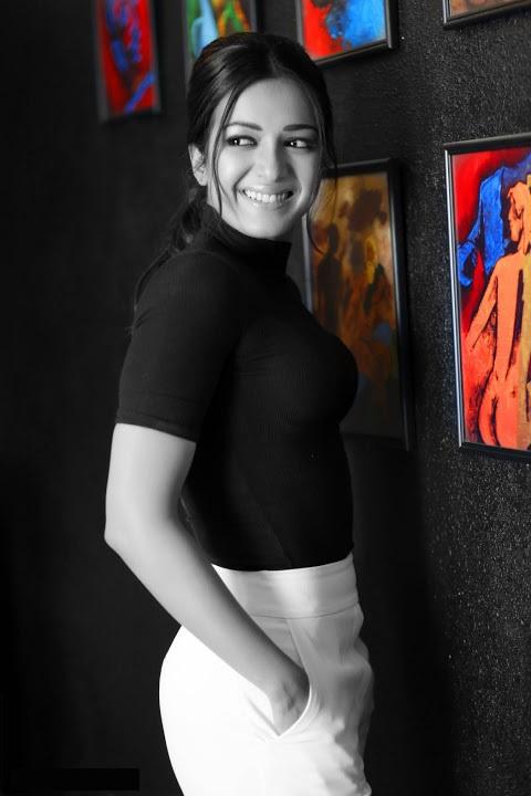 Catherine tresa black and white dress smile pose gallery