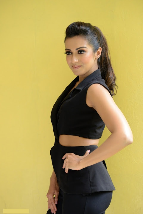 Catherine tresa hd hot actress cute photos