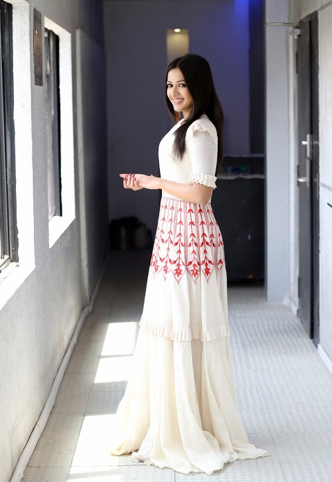 Catherine tresa hd white dress figure image