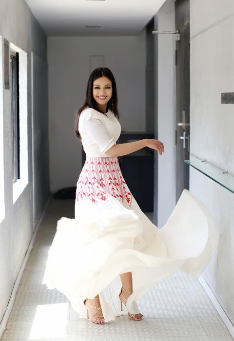 Catherine tresa hd white dress wide slides