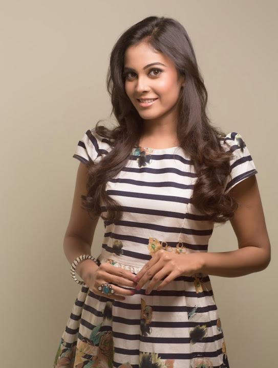 Chandini tamilarasan glamour stills