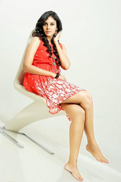 Chandini tamilarasan red dress glamour wallpaper