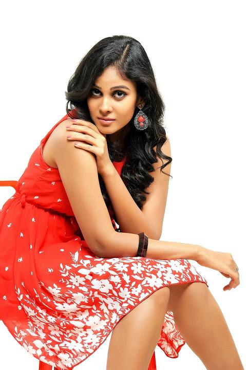 Chandini tamilarasan red dress wide pics