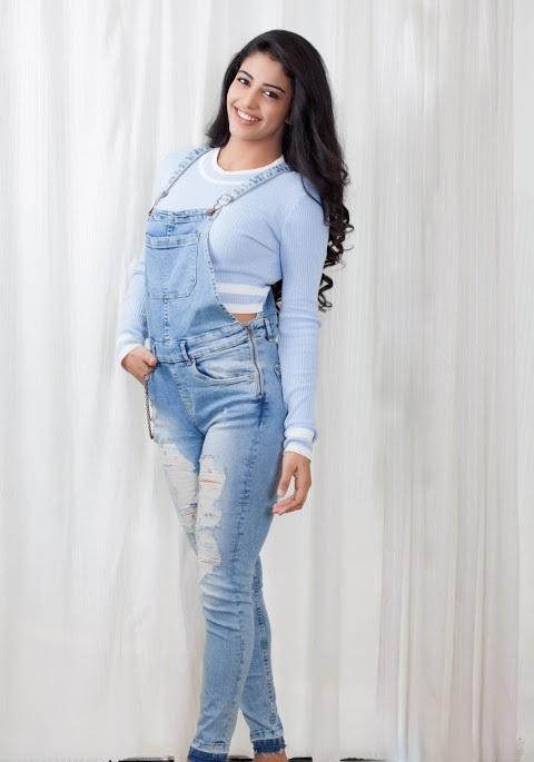 Daksha nagarkar wide fotos