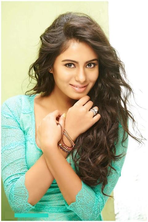 Deepa sannidhi green dress modeling stills
