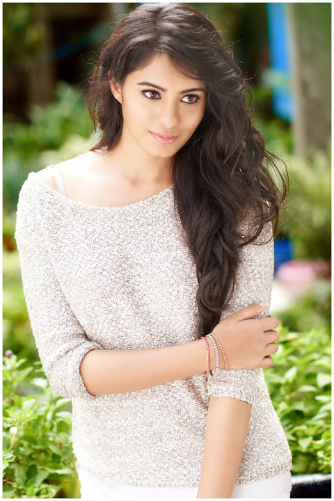 Deepa sannidhi white dress figure fotos