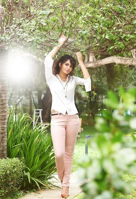 Deepa sannidhi white dress hd wide stills