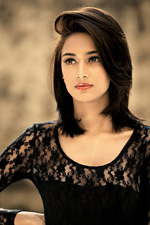 Erica fernandes black dress pictures