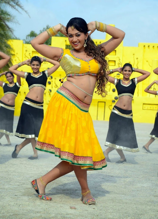 Ester noronha glamour yellow dress exclusive image