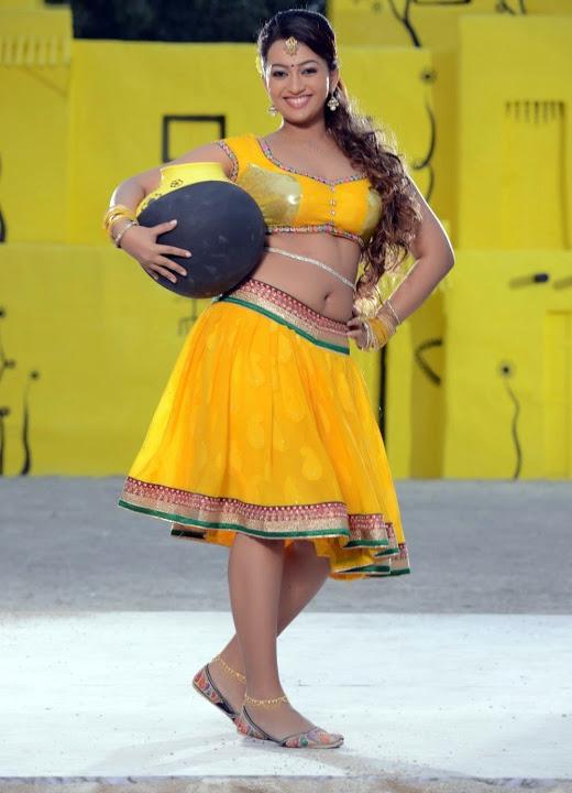 Ester noronha yellow dress exclusive wallpaper