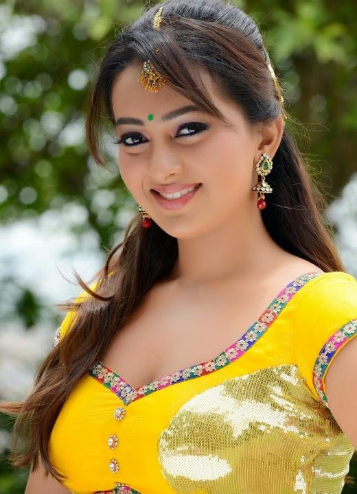Ester noronha yellow dress hd pics