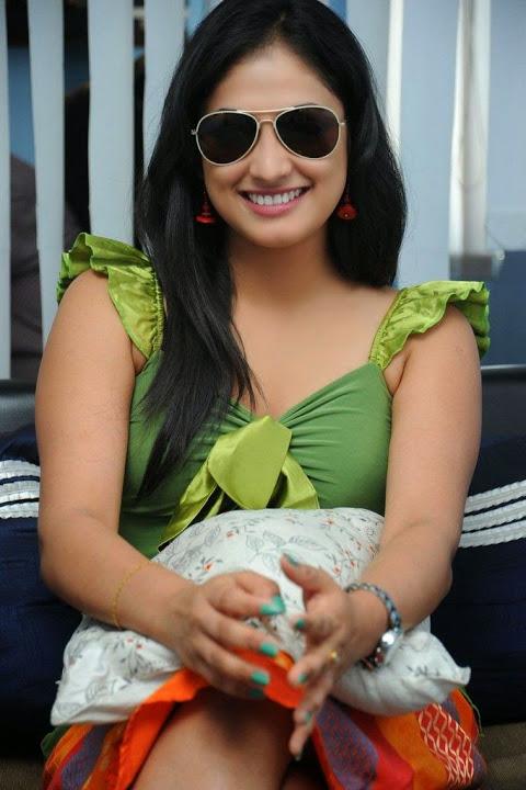 Haripriya green dress desktop hd photos