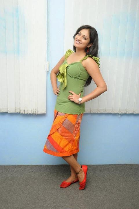 Haripriya green dress glamorous stills