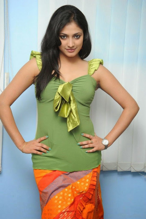 Haripriya green dress interview pics