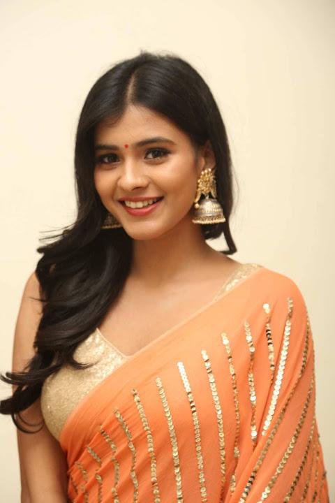 Hebah patel orange dress filmfare awards image