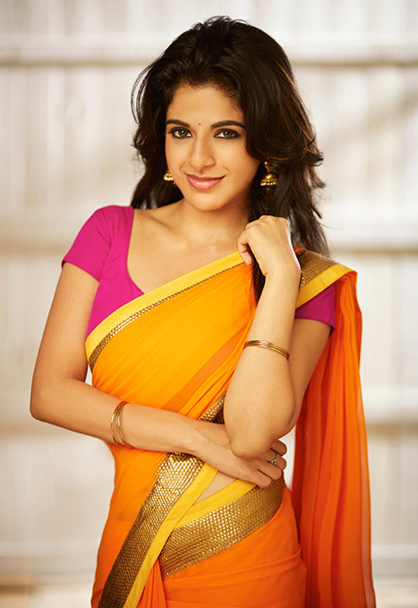 Iswarya menon yellow saree pictures