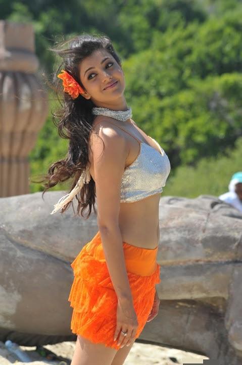Kajal agarwal beach song hot photos
