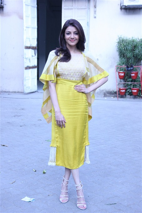 Kajal agarwal yellow dress beautiful journal stills