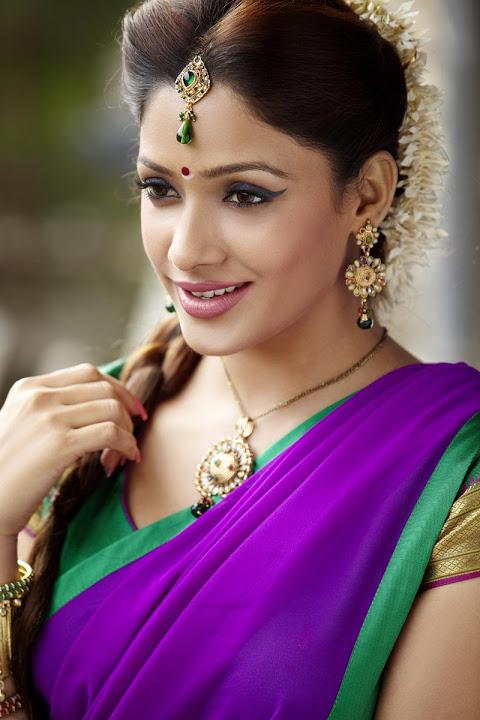 Kesha khambhati half saree beautiful pictures